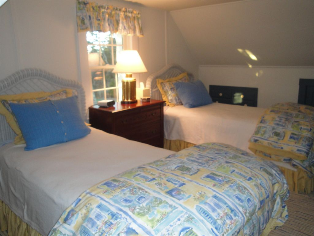 Upstairs twin bedroom, beds are extra long