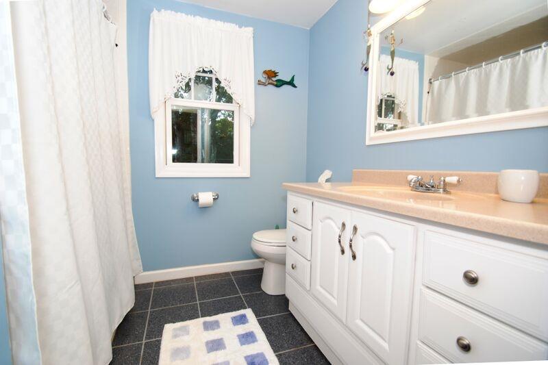 Bathroom - Hallway