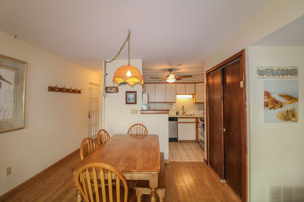 10726 Third Avenue, Stone Harbor (Island) - Picture 5