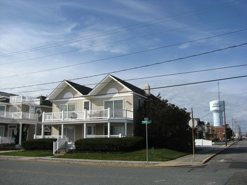 9501 First Avenue, Stone Harbor (Island) - Picture 1
