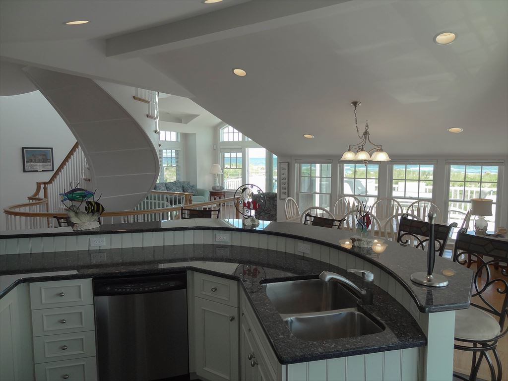 5 94th Street, Stone Harbor (Beach Front) - Picture 9