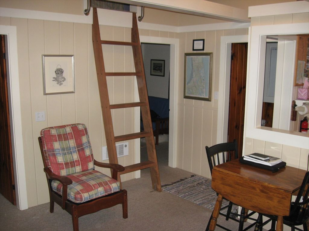 Ladder to Loft with twin beds