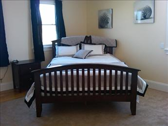 2nd floor queen bedrom with private full bath