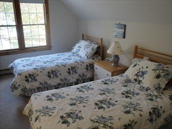 second floor bedroom with 2 twins
