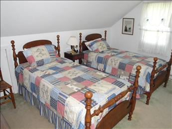 Upstairs Bedroom with Twins and Daybed