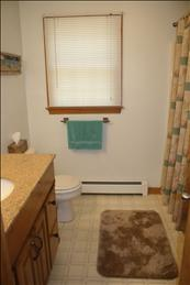 First Floor Bathroom (Full)