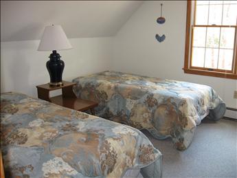 Second Floor Bedroom II - Two Twins