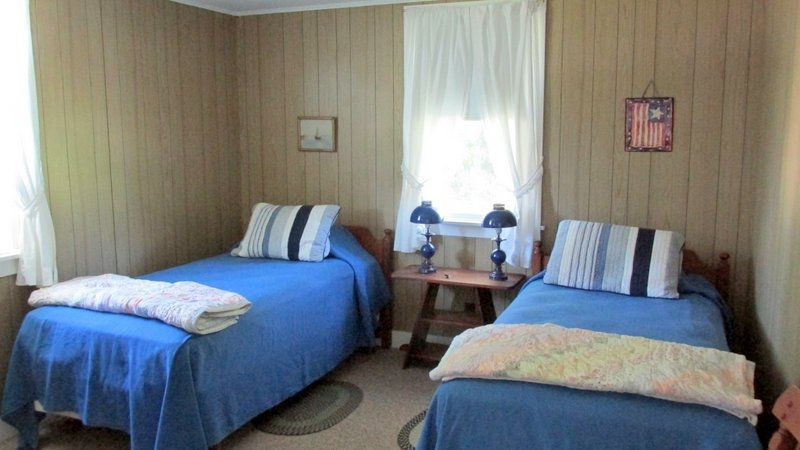 Front Twin Bedroom