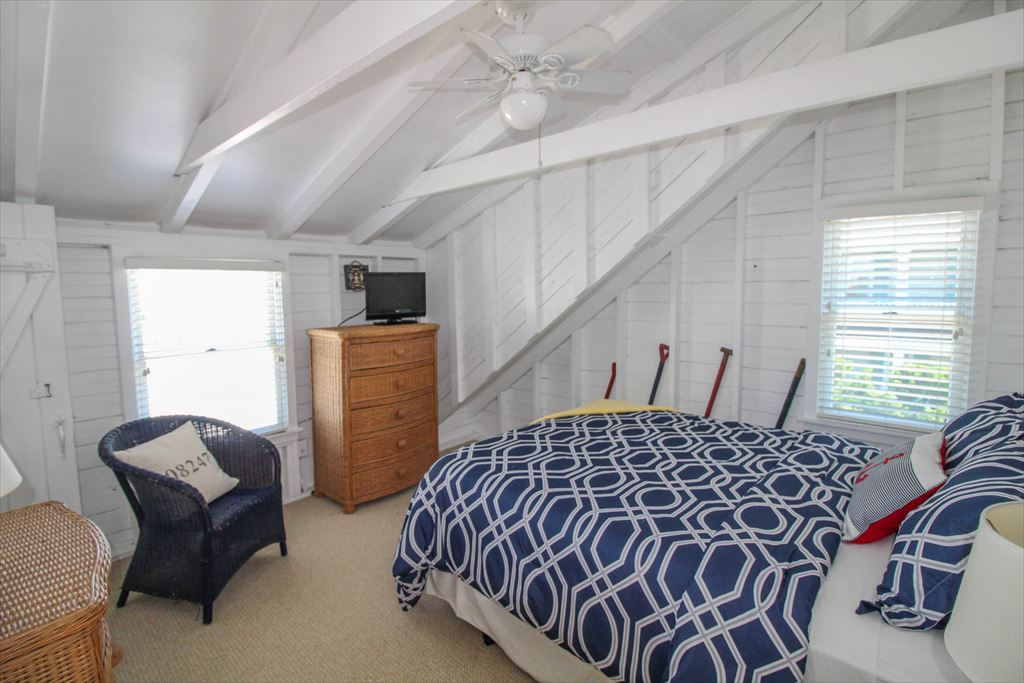 2 111th Street, Stone Harbor (Beach Front) - Picture 12