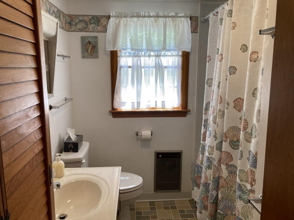 Bedroom ~ Queen