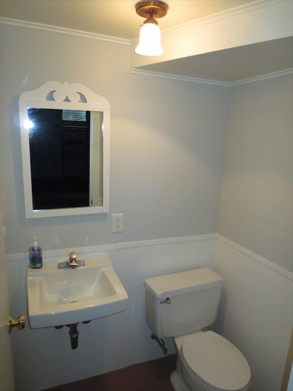 Lower level half bath