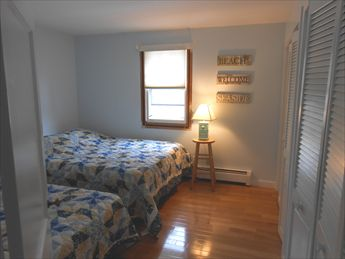 First floor bedroom with 1 queen and 1 twin