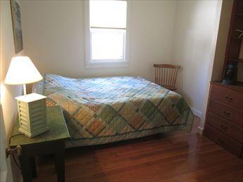 1st floor bedroom with queen