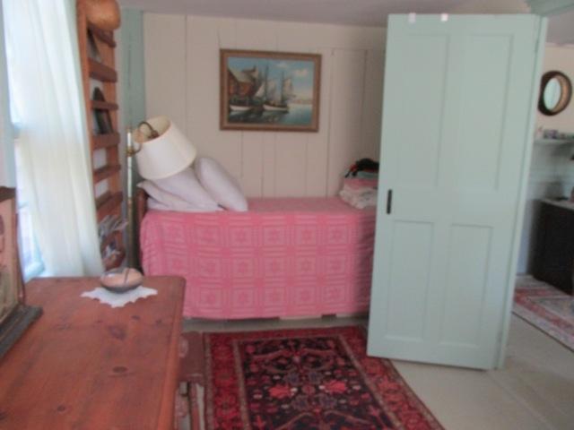 %34Borning Room%34 off living room