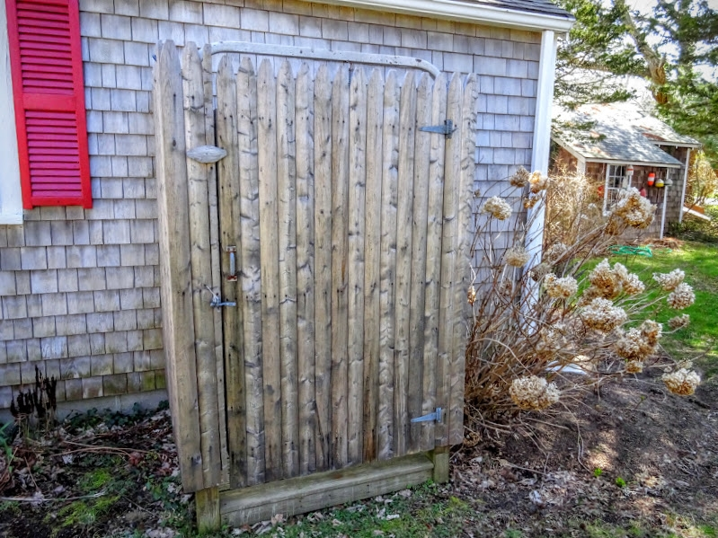Enclosed outdoor shower