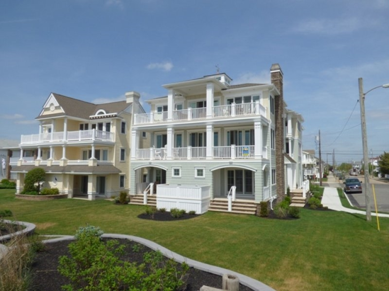 2103 Wesley Ave 1st , 1st, Ocean City NJ