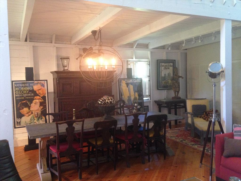 Guest Barn - Furnished with antiques and sculptural artwork
