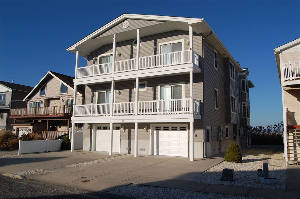 221 76th Street, Sea Isle City (Center)