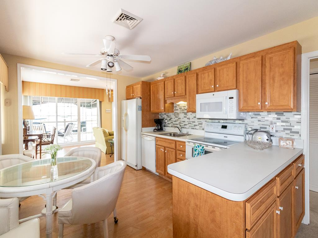 9411 Sunset Drive, Stone Harbor (Bay Front) - Picture 5