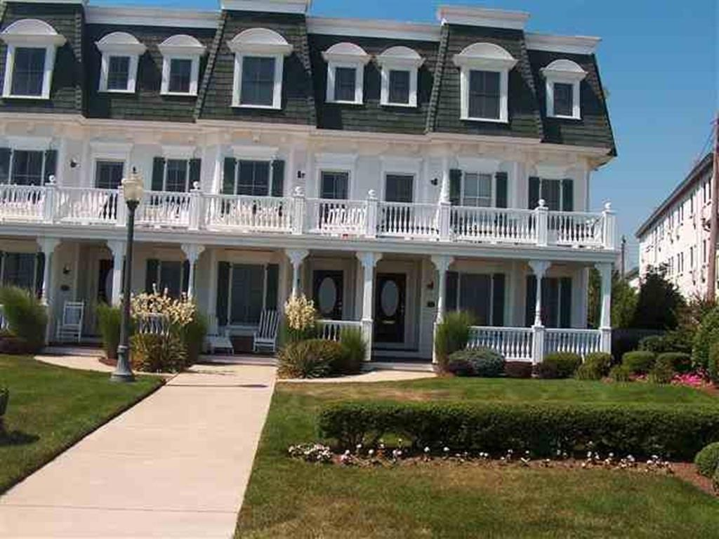 201 Beach Avenue, Cape May - Picture 1