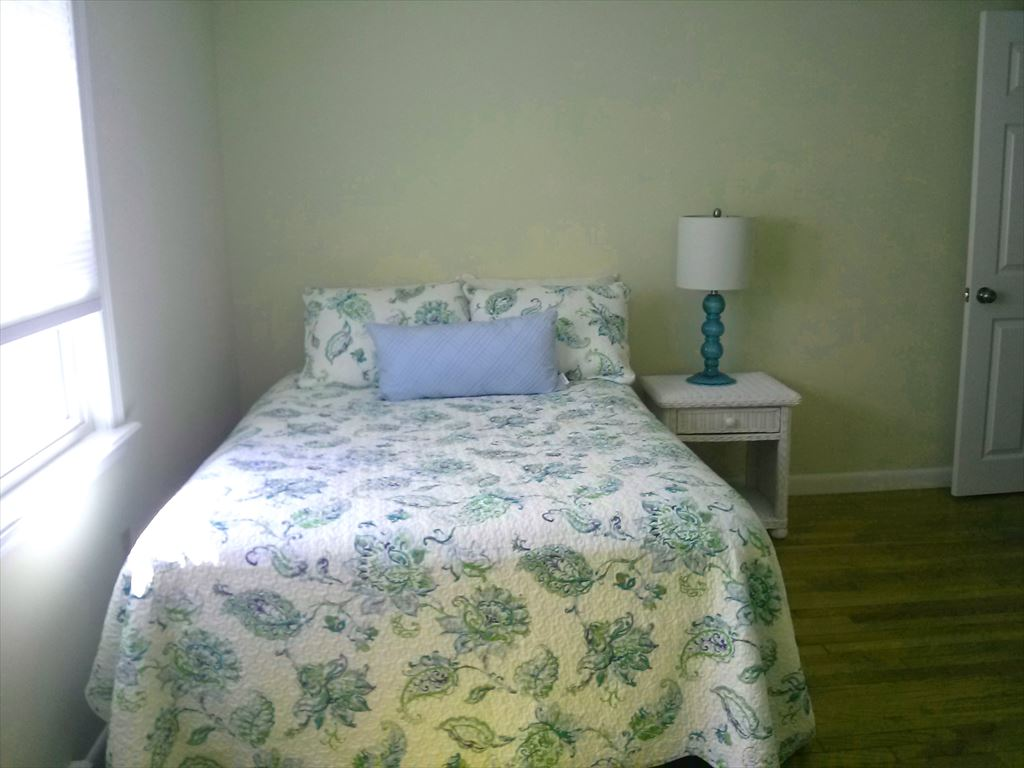 second bedroom with Full Size Bed and reading nook