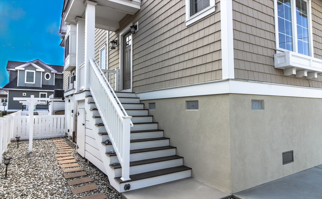 9500 Sunset Dr., Stone Harbor (Island) - Picture 3