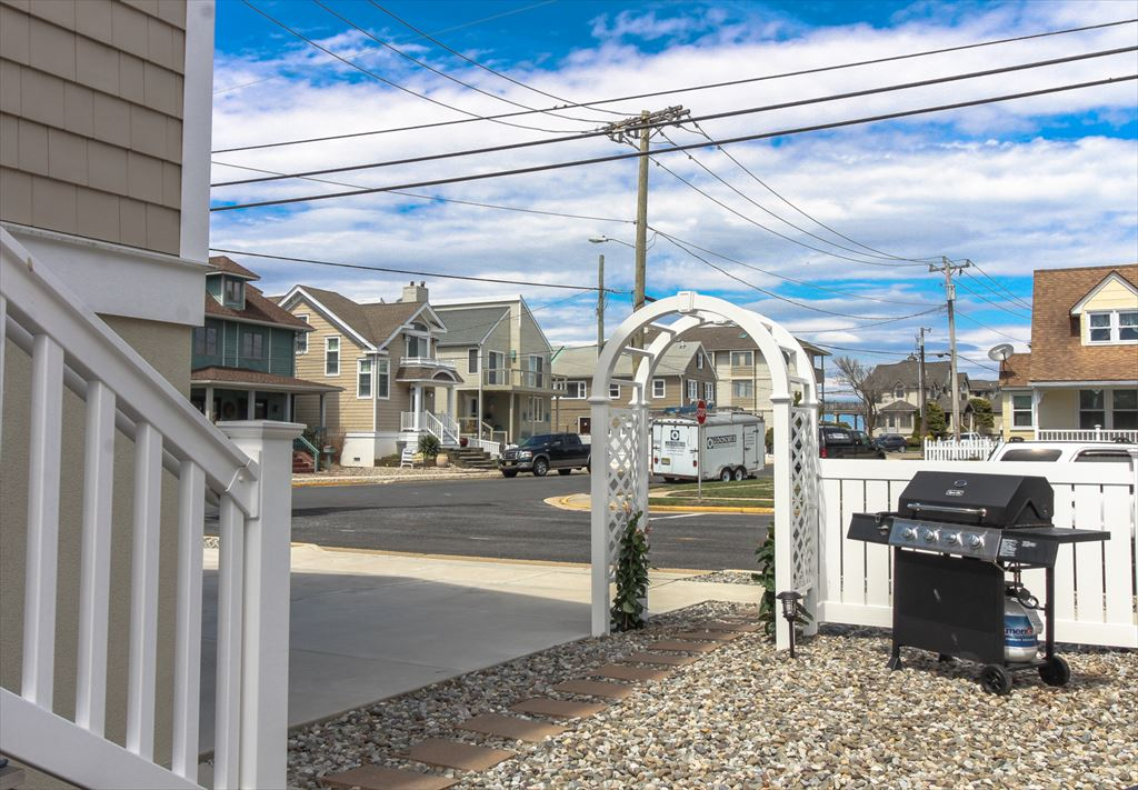 9500 Sunset Dr., Stone Harbor (Island) - Picture 4