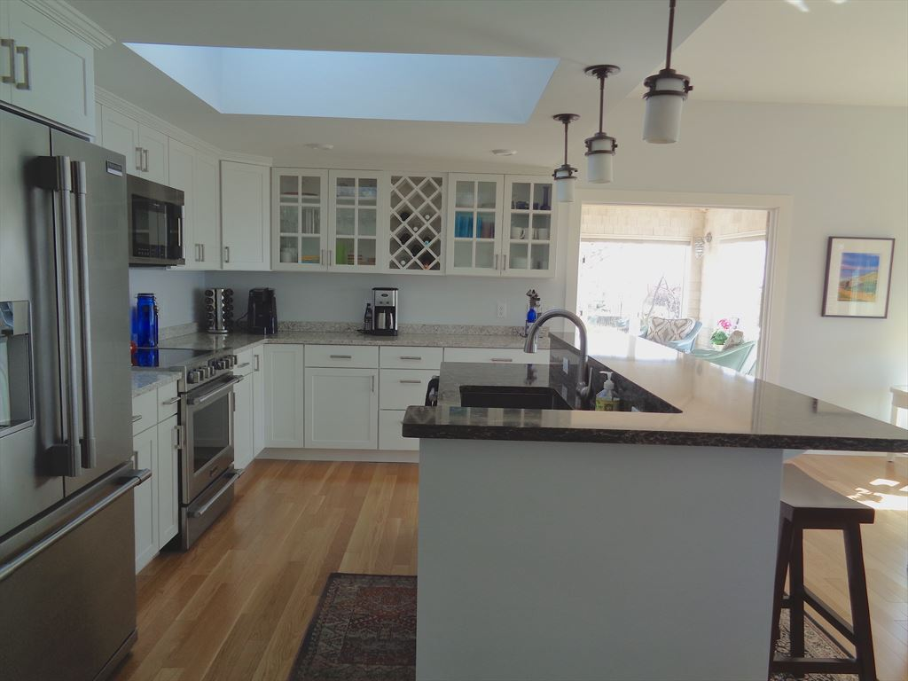 Well equipped and spacious Open kitchen