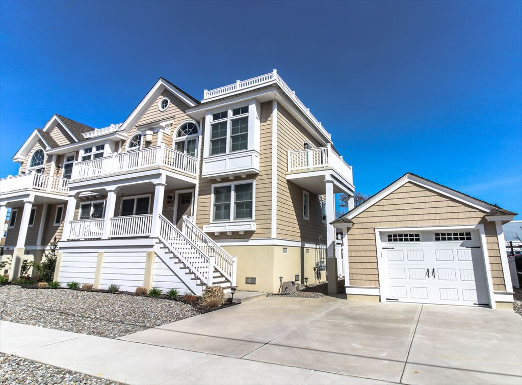 9502 Sunset Drive, Stone Harbor (Island) - Picture 1