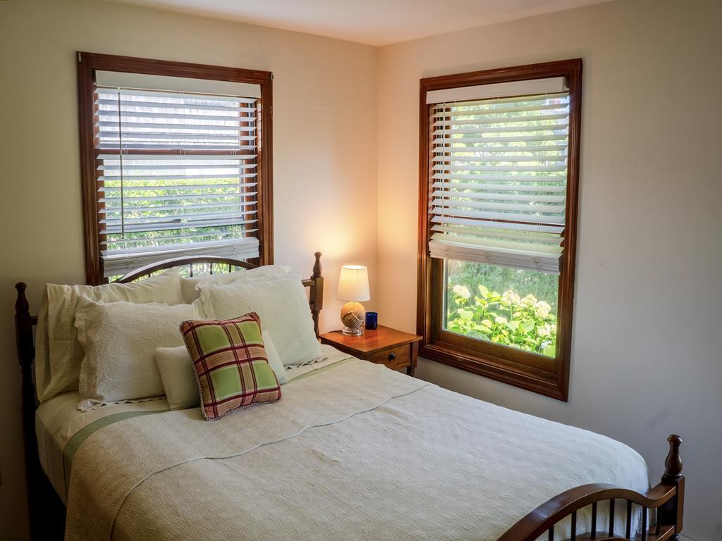 downstairs front queen bedroom