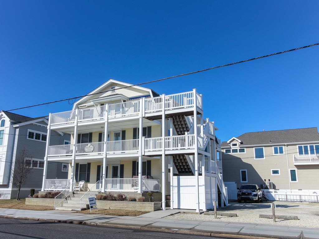 8811 Third Avenue, Stone Harbor (Island) - Picture 1