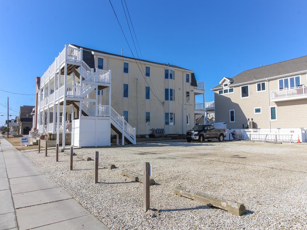 8811 Third Avenue, Stone Harbor (Island) - Picture 3