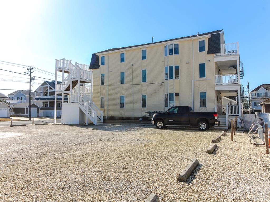 8811 Third Avenue, Stone Harbor (Island) - Picture 4