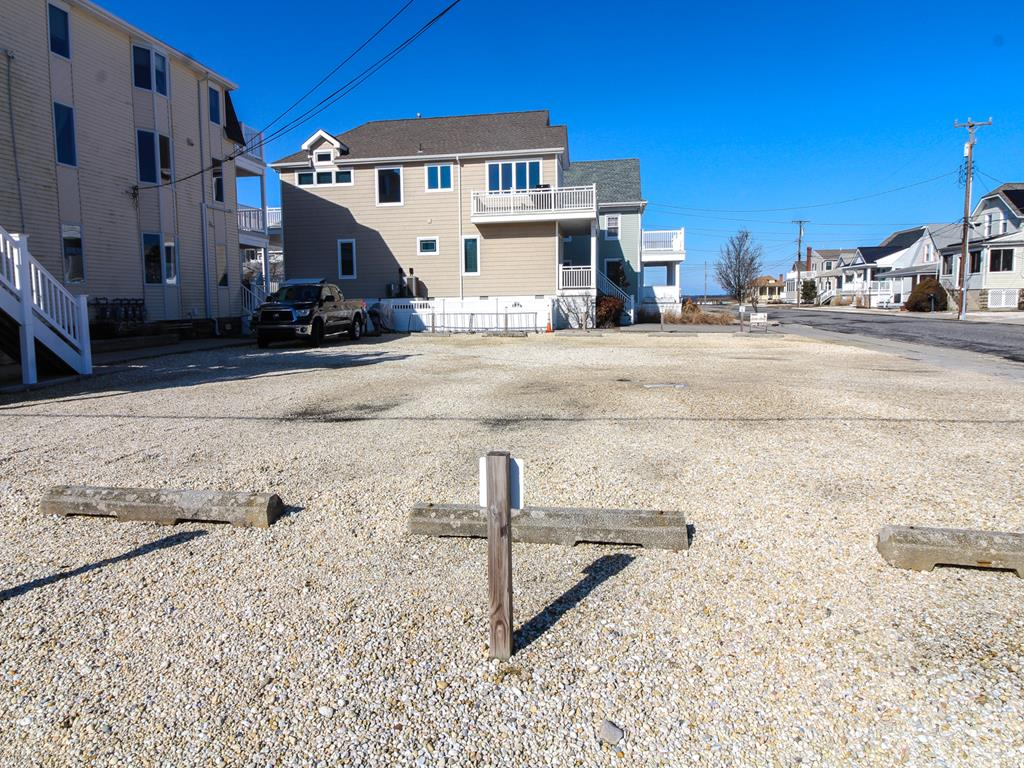 8811 Third Avenue, Stone Harbor (Island) - Picture 5