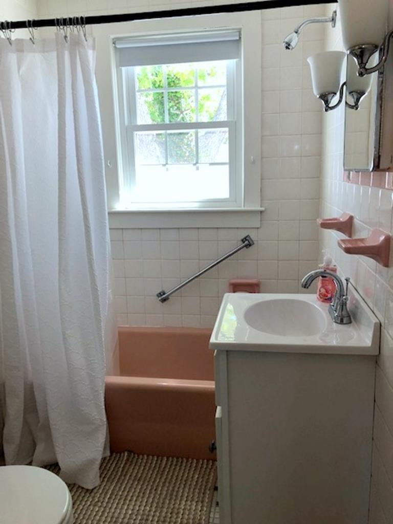 Main Full Bath (washer/dryer in master bath)