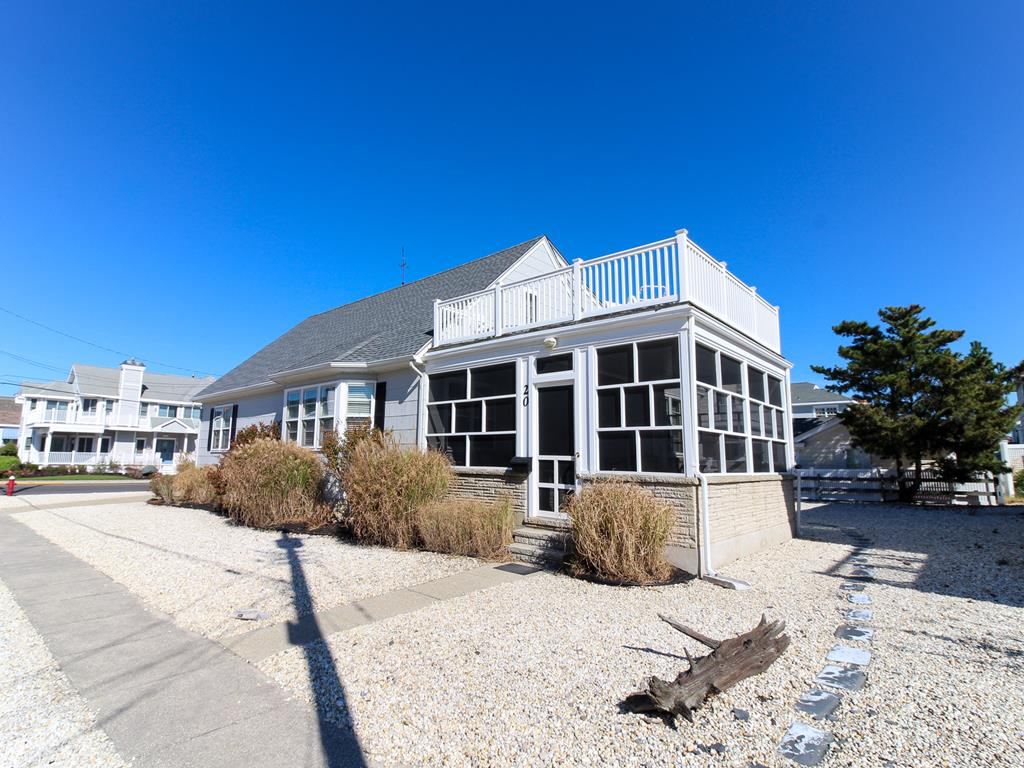 20 94th Street, Stone Harbor (Beach Block) - Picture 1
