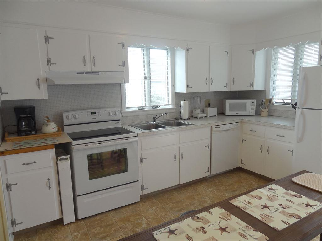 4509 Fourth Avenue, Avalon (Bay Front) - Picture 9