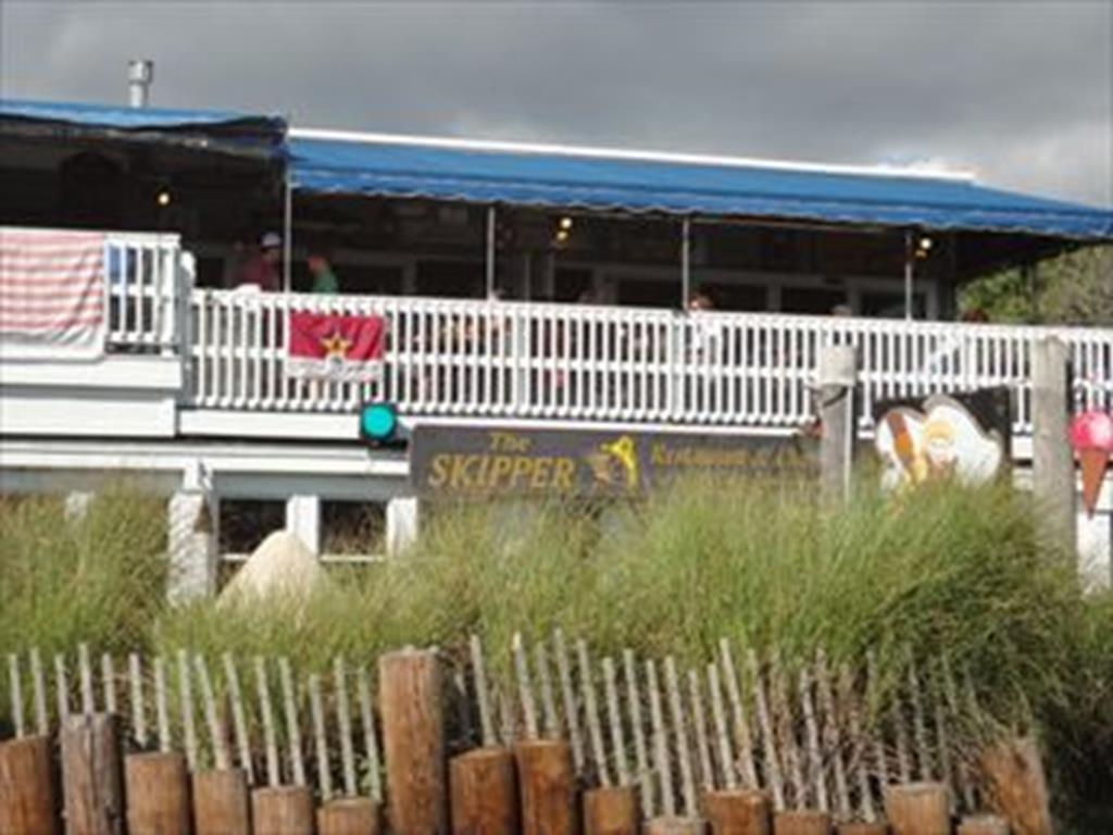 Popular Skipper's Restaurant! YUM!