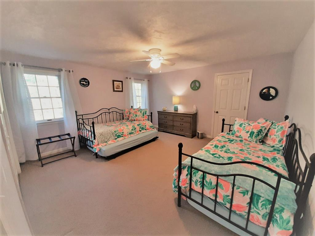 Second floor bedroom with 2 Twin size Trundle Beds
