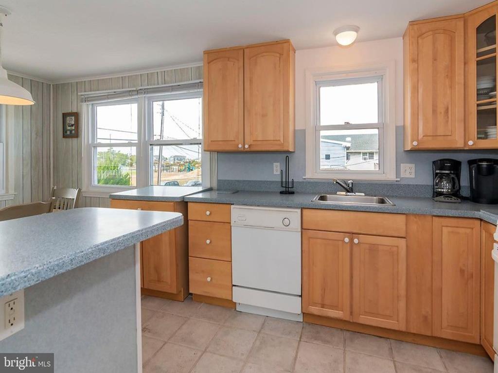 311 Merivale Avenue, Unit 2, 2 Floor, Beach Haven