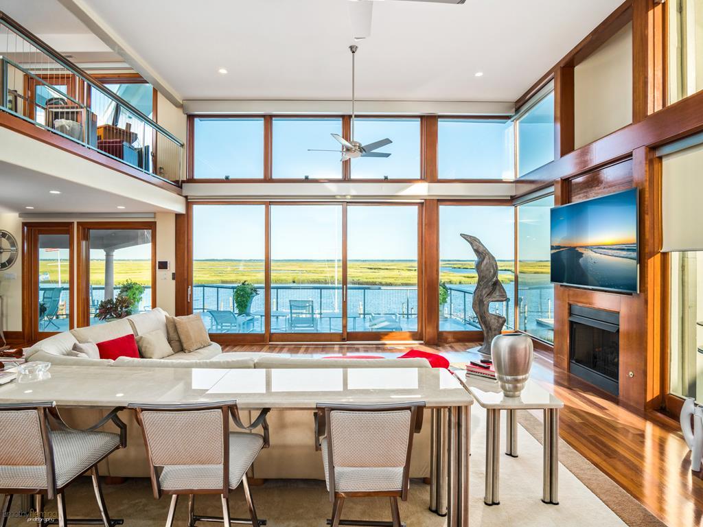 5878 Ocean Drive, Avalon (Bayfront)