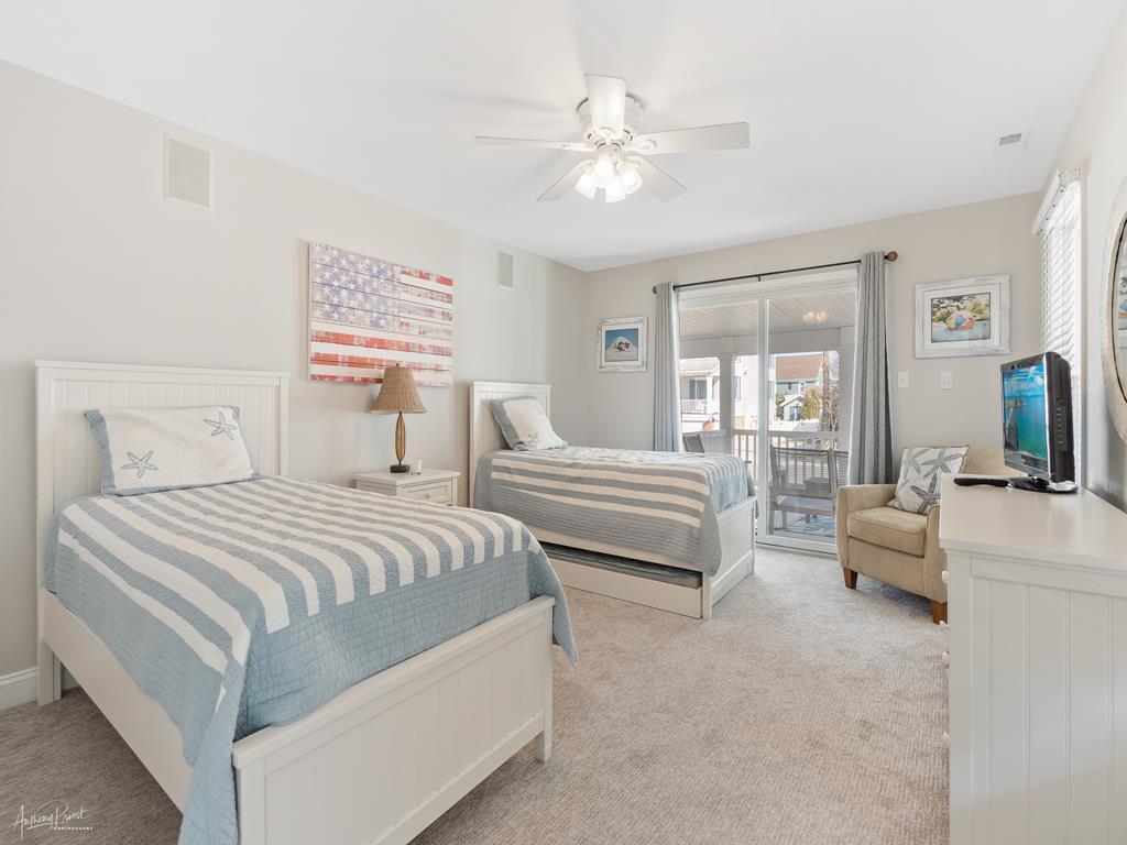 168 26th Street, Avalon (Center) - Picture 4