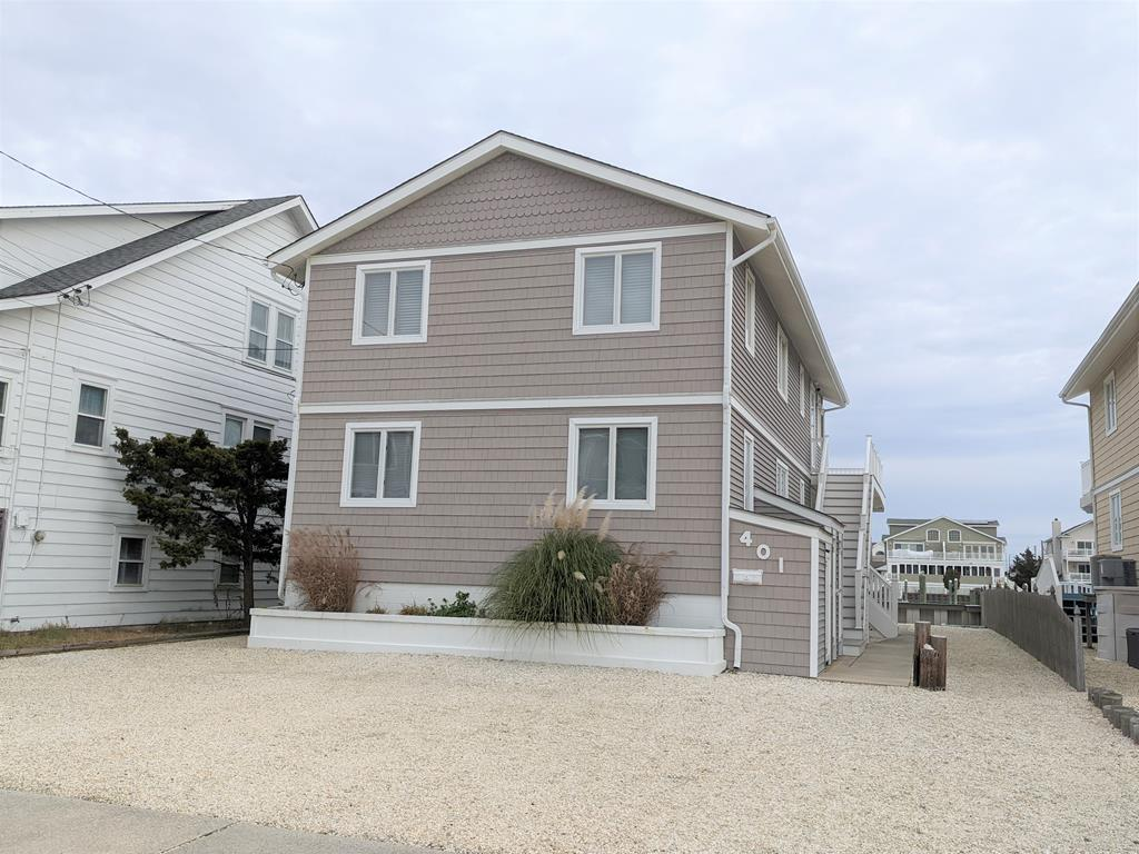 401 24th Street, Avalon (Bay) - Picture 1