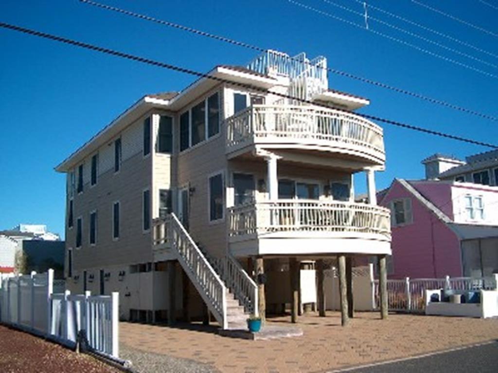 17 E. 38th Street, Unit 205A, 1 Floor, Brant Beach