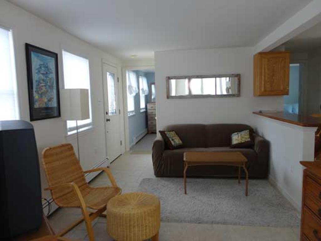 9300 Beach Avenue, 1 Floor, Peahala Park