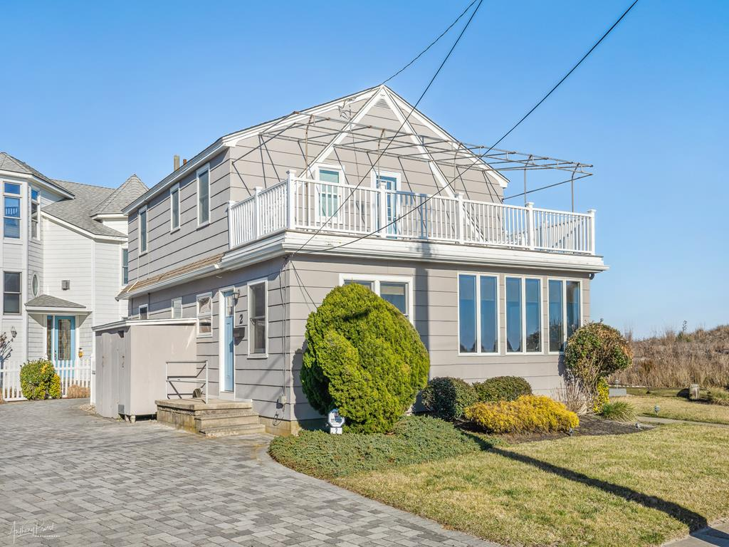 2 90th Street, Stone Harbor (Beach Front) - Picture 1