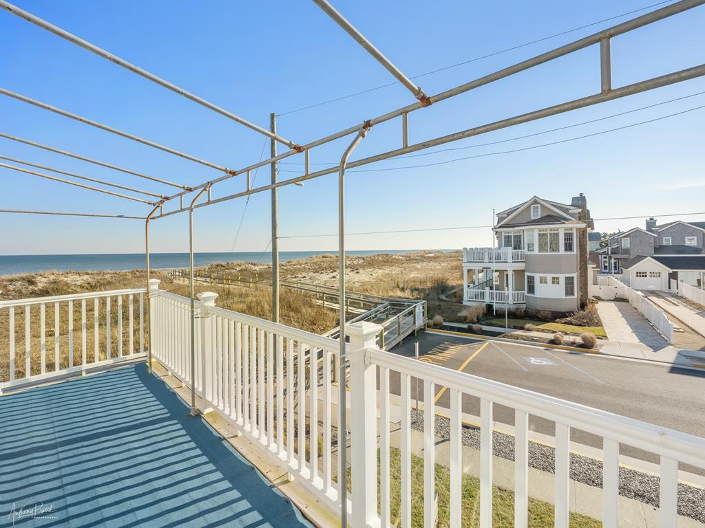 2 90th Street, Stone Harbor (Beach Front) - Picture 15