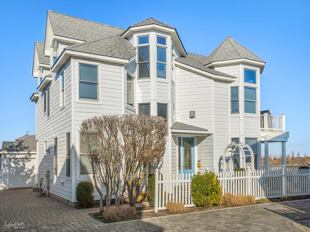 4 90th Street, Stone Harbor (Beach Front) - Picture 1