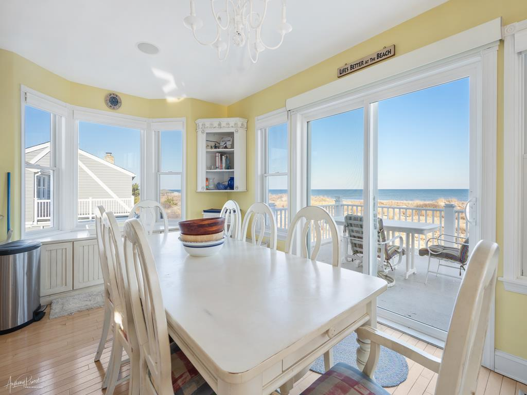 4 90th Street, Stone Harbor (Beach Front) - Picture 10
