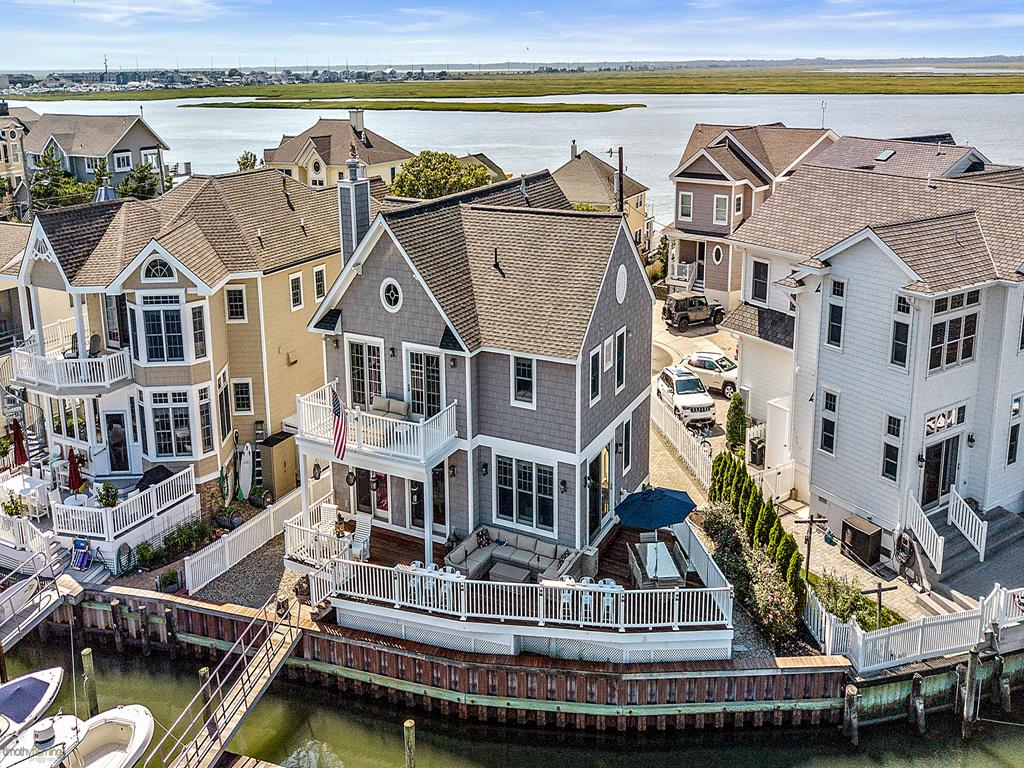 8522 Sunset Drive, Stone Harbor (Bayfront)